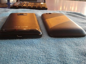 HTC Sensation и Samsung i9100 (Galaxy SII) перевернулись на живот